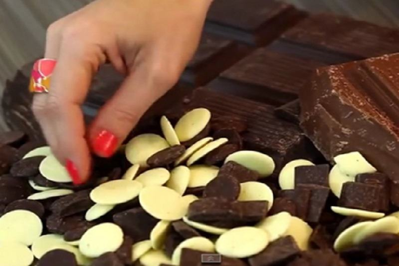 Chocolate Products You Can Use as Modeling Chocolate
