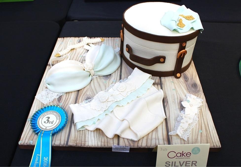 Olivia Marriner 3rd Class F Novelty Cake Novel Design