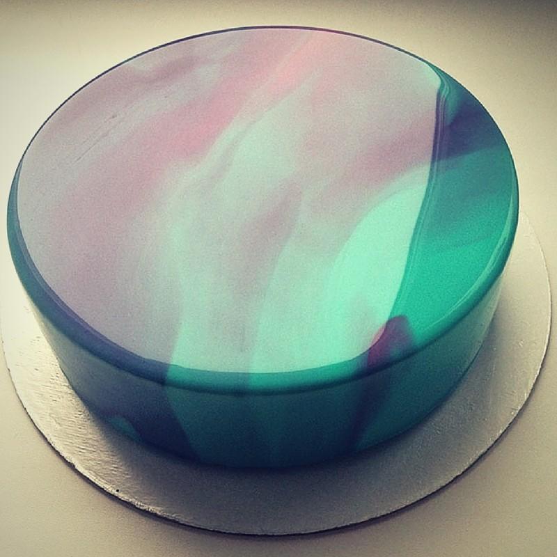 mirror glaze turquois