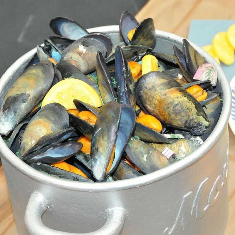 Black Mussels in a Pot Cake